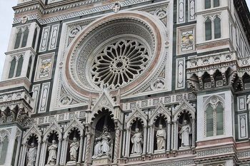 Снаружи собора Санта Мария дель Фьоре
