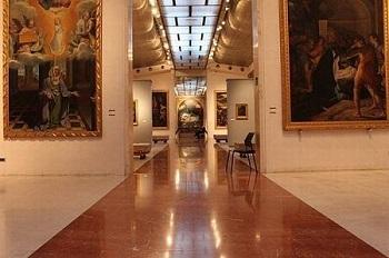 Залы в Национальной пинакотеке